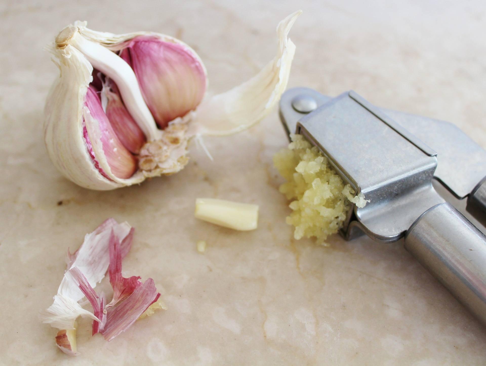 Как да ядем чесън, за да не вреди на стомаха ни?